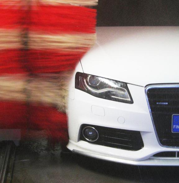 Auto Akix pesukoneessa
